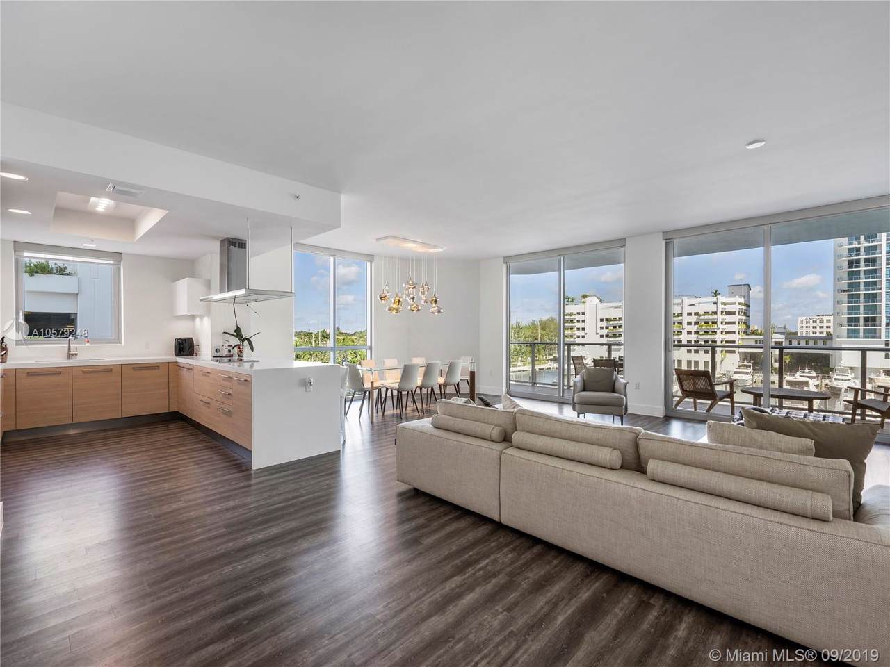 17111 Biscayne Blvd - Photo 1