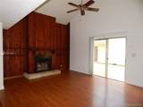 3943 Coral Springs Dr - Photo 3