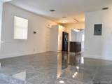 142 22nd Ave - Photo 3
