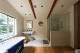 940 72nd St - Photo 20