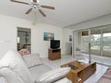 1040 Country Club Dr - Photo 10