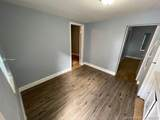 1129 29th St - Photo 2