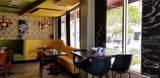 Hollywood Bar & Grill - Photo 4