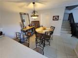 2556 Camelot Ct - Photo 3