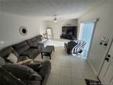 2556 Camelot Ct - Photo 4
