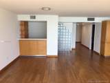 6423 Collins Ave - Photo 10
