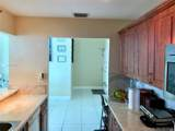 5445 Collins Ave - Photo 32