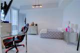 15901 Collins Ave - Photo 26