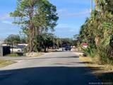 Lincoln Avenue - Photo 3