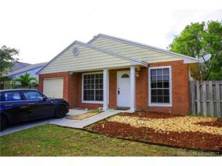 8619 SW 14th Ct, Pembroke Pines, FL 33025 (MLS #A10282759) :: Castelli Real Estate Services