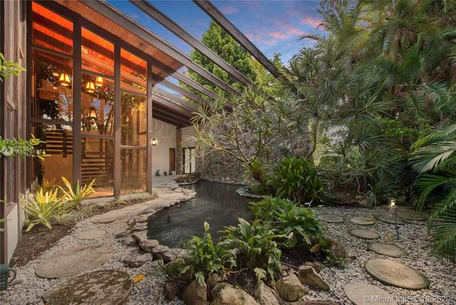 4880 Granada Blvd, Coral Gables, FL 33146 (MLS #A10731757) :: Berkshire Hathaway HomeServices EWM Realty