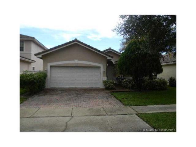 3049 SW 137th Ave, Miramar, FL 33027 (MLS #A10209531) :: Christopher Tello PA