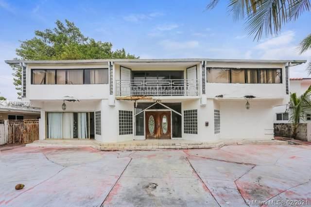 1977 NE 119 Rd, North Miami, FL 33181 (MLS #A10797790) :: The Rose Harris Group