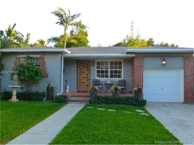 130 NE 49th St, Miami, FL 33137 (MLS #A10216192) :: The Teri Arbogast Team at Keller Williams Partners SW