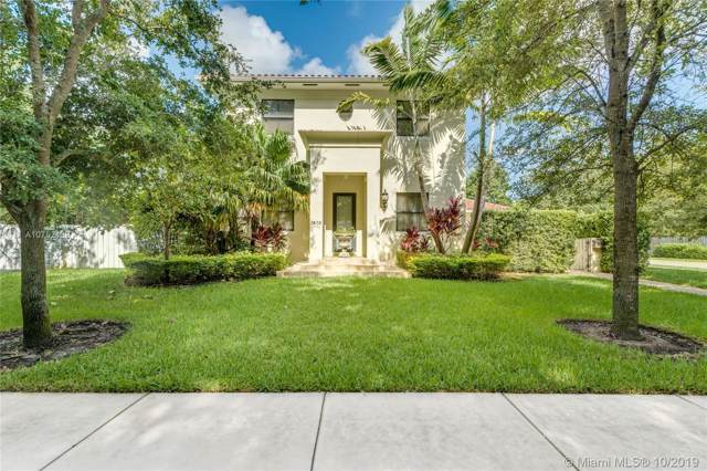 7402 SW 54th Ct, Miami, FL 33143 (MLS #A10752139) :: The Adrian Foley Group
