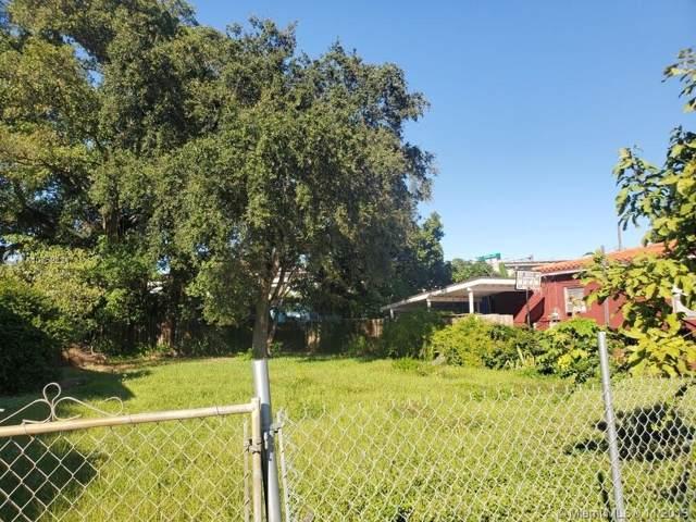 1271 NW 38th St, Miami, FL 33142 (MLS #A10752821) :: Grove Properties