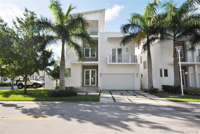 8220 NW 34th St, Doral, FL 33122 (MLS #A10754486) :: The Erice Group