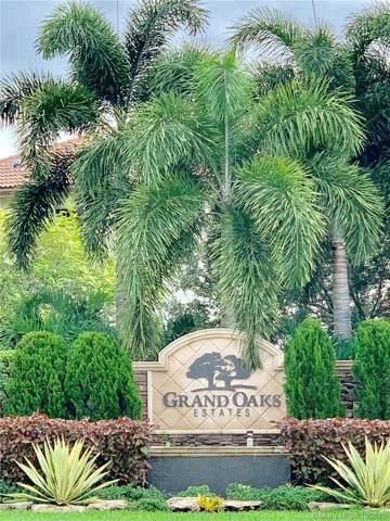 12762 Grand Oaks Dr, Davie, FL 33330 (MLS #A10754642) :: Patty Accorto Team