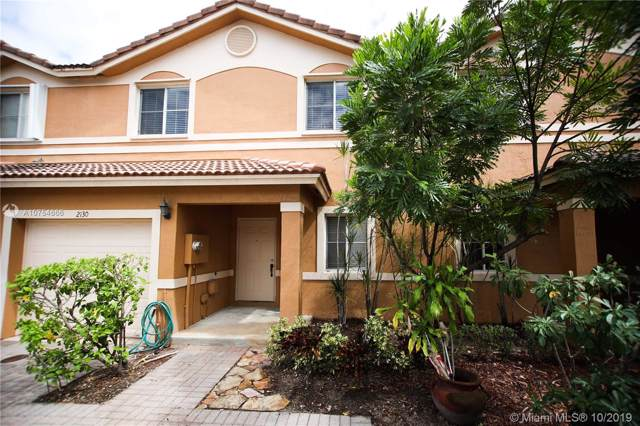 2130 NW 99th Way, Sunrise, FL 33322 (MLS #A10754666) :: United Realty Group
