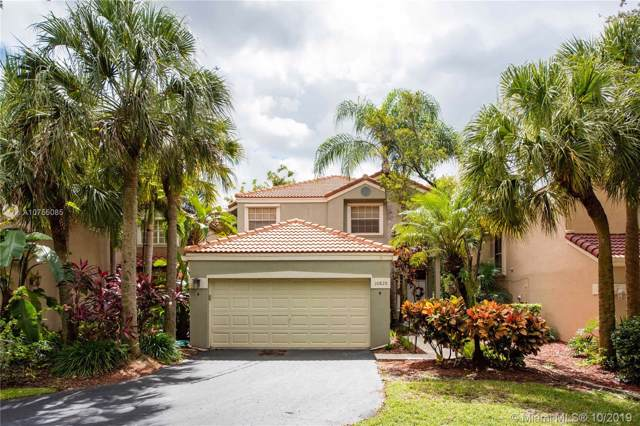 10820 NW 10th St, Plantation, FL 33322 (MLS #A10755085) :: Green Realty Properties
