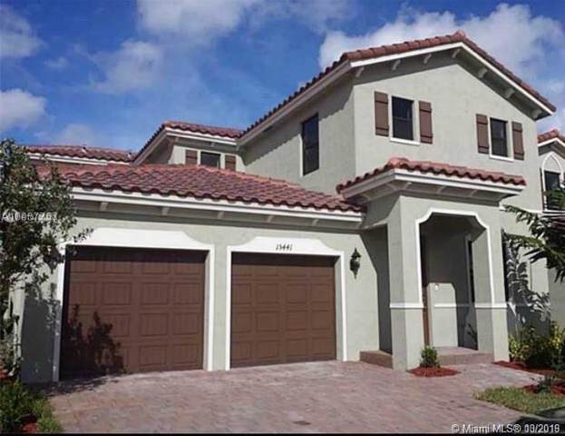 15441 SW 173rd Ln, Miami, FL 33187 (MLS #A10755362) :: The Erice Group