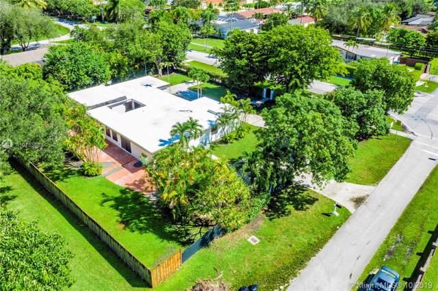 10670 SW 87th Ave, Miami, FL 33176 (MLS #A10755663) :: Grove Properties