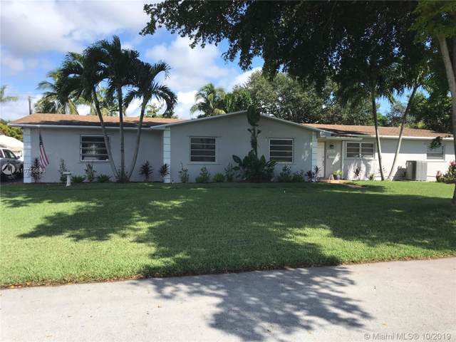 9765 SW 145th St, Miami, FL 33176 (MLS #A10755683) :: The Erice Group