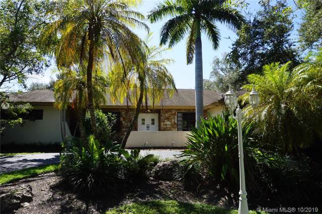7820 SW 182nd Ter, Palmetto Bay, FL 33157 (MLS #A10755897) :: The Erice Group