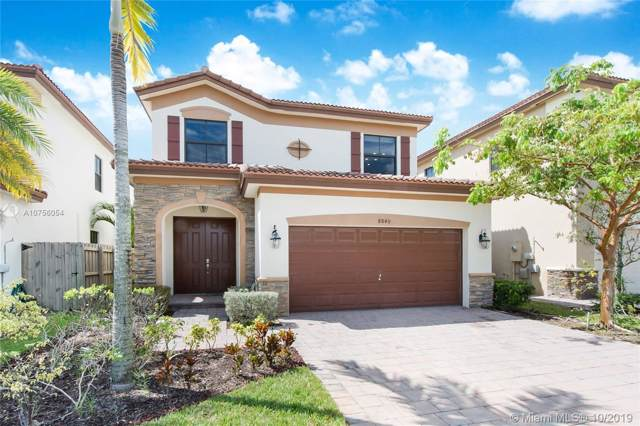8840 NW 99 Path, Doral, FL 33178 (MLS #A10756054) :: Berkshire Hathaway HomeServices EWM Realty