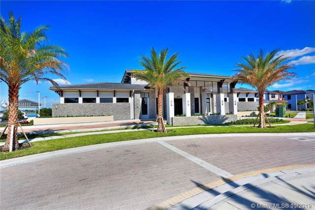 8975 NW 154th Ter, Miami Lakes, FL 33018 (MLS #A10756117) :: THE BANNON GROUP at RE/MAX CONSULTANTS REALTY I