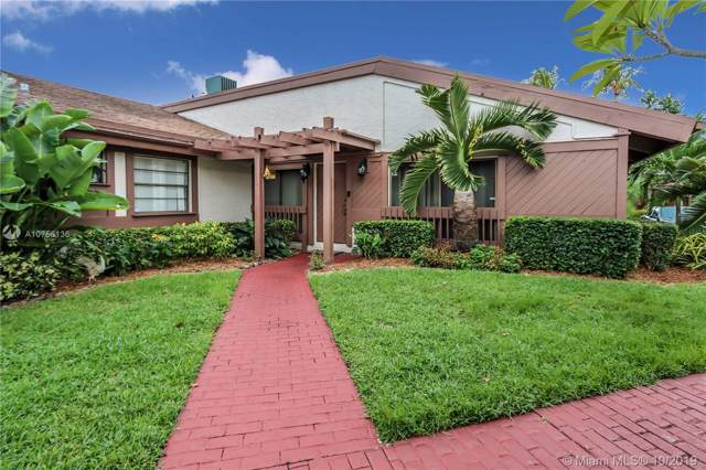 2731 S Parkview Dr, Hallandale, FL 33009 (MLS #A10756136) :: United Realty Group