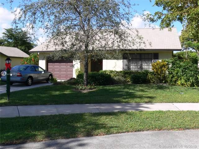 2745 Azalea Ct, Delray Beach, FL 33445 (MLS #A10756386) :: Green Realty Properties