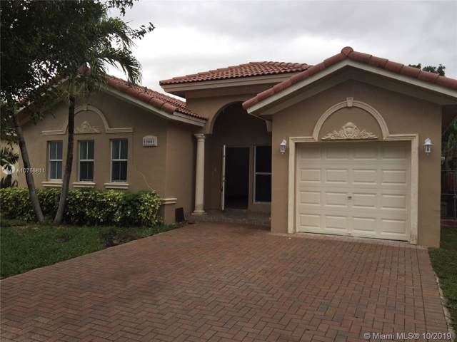 15801 SW 138th Ter, Miami, FL 33196 (MLS #A10756811) :: Green Realty Properties