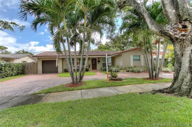 14325 Tabebuia Ln, Miami Lakes, FL 33014 (MLS #A10756846) :: Green Realty Properties