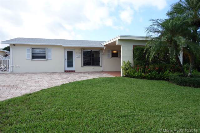 7730 NW 42nd St, Davie, FL 33024 (MLS #A10756996) :: The Howland Group