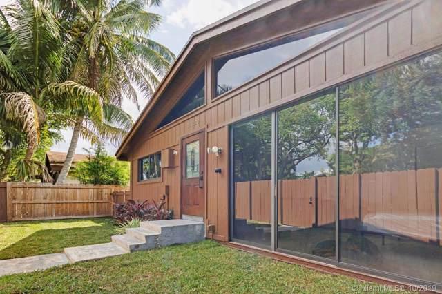 11330 SW 114th Lane Cir, Miami, FL 33176 (MLS #A10757068) :: Grove Properties