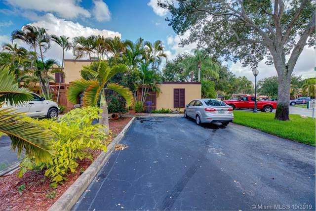 1261 W Golfview Dr, Pembroke Pines, FL 33026 (MLS #A10757390) :: Castelli Real Estate Services