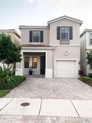 656 NE 191st Ter, Miami, FL 33179 (MLS #A10757401) :: RE/MAX Presidential Real Estate Group