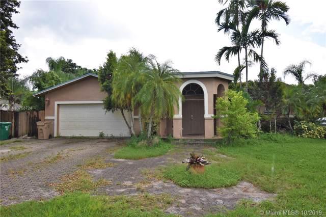 15430 SW 31st St, Davie, FL 33331 (MLS #A10758724) :: Carole Smith Real Estate Team