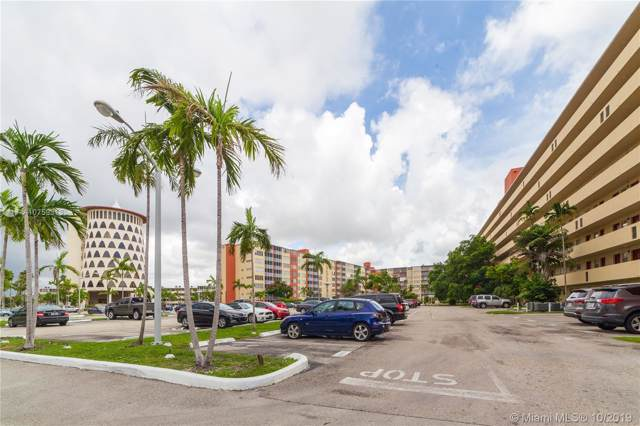 1770 NE 191st St 703-1, Miami, FL 33179 (MLS #A10759313) :: Grove Properties