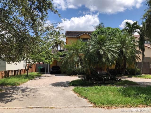 9877 SW 161st Pl, Miami, FL 33196 (MLS #A10759814) :: The Paiz Group
