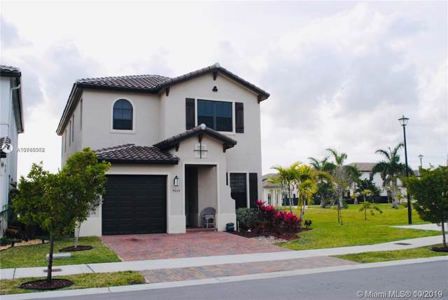 9668 W 34th Ave, Hialeah, FL 33018 (MLS #A10760368) :: Laurie Finkelstein Reader Team