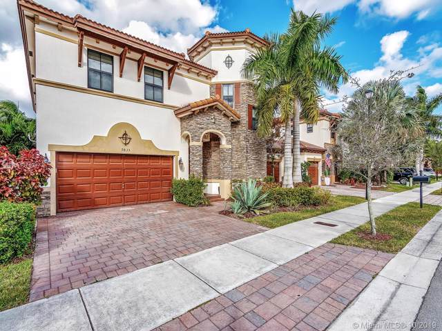 9835 NW 89th Ter, Doral, FL 33178 (MLS #A10760472) :: Lucido Global
