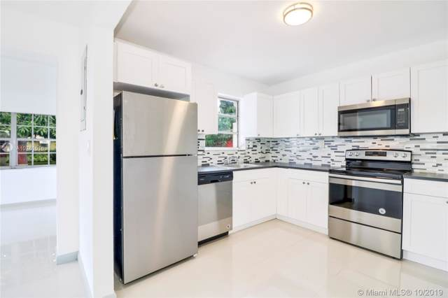 2444 Wiley St, Hollywood, FL 33020 (MLS #A10761016) :: RE/MAX Presidential Real Estate Group