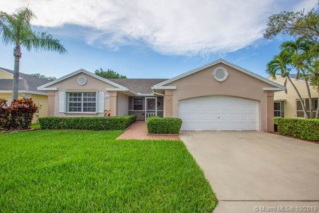 2542 SE 7th Ct, Homestead, FL 33033 (MLS #A10761194) :: Berkshire Hathaway HomeServices EWM Realty