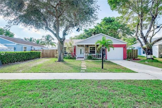 1621 SW 127th Ave, Davie, FL 33325 (MLS #A10761218) :: Albert Garcia Team