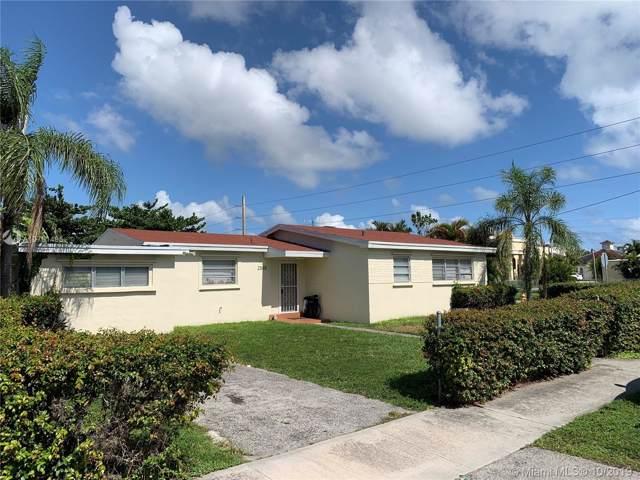 2565 NE 207th St, Miami, FL 33180 (MLS #A10761495) :: Carole Smith Real Estate Team