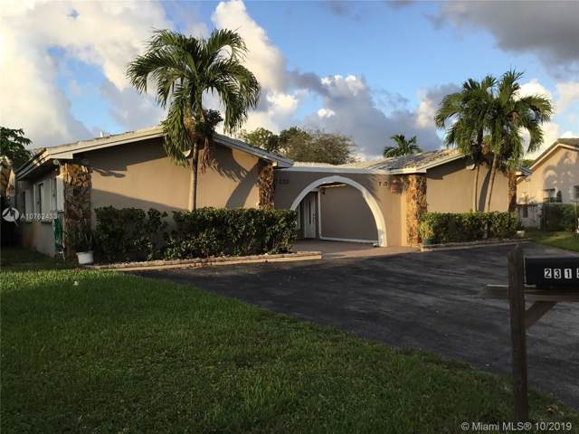 2313 NW 86th Ln, Coral Springs, FL 33065 (MLS #A10762433) :: Grove Properties