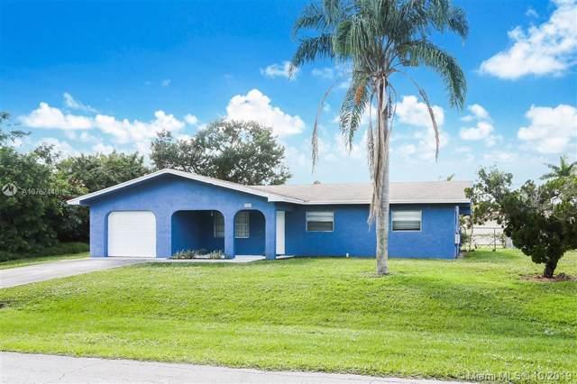 1038 SE Lansdowne Ave, Port Saint Lucie, FL 34983 (MLS #A10762448) :: Berkshire Hathaway HomeServices EWM Realty