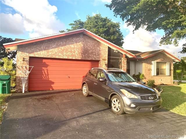 9501 NW 83rd St, Tamarac, FL 33321 (MLS #A10762822) :: Castelli Real Estate Services